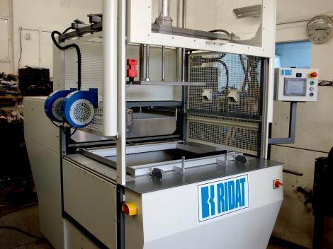 Vacuum Forming Machine Ridat